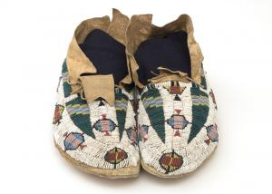 pictorial Moccasins, Cheyenne, last quarter of the 19th century Native American Indian antique vintage art for sale purchase auction consign denver colorado art gallery museum
