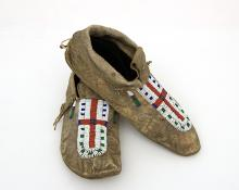 Moccasins, Arapaho, 1890 19th century Native American Indian antique vintage art for sale purchase auction consign denver colorado art gallery museum