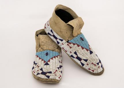 Antique Plains Indian Moccasins Sioux Lakota Teton beaded